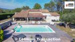 A vendre sur Rocbaron propriété  type 9 pièces de 288m² habitable et plus de 100m² de dépendance  avec piscine