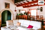 A vendre sur la commune de Besse Sur Issole dans un cadre verdoyant charmante maison de 125 m² édifiée sur un