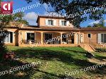 A vendre sur la commune de Neoules maison T6 (184 m²) sur un terrain de 2500 m² avec piscine