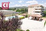 A vendre Brignoles appartement F2 (43 m²) avec Box et place de parking et piscine commune