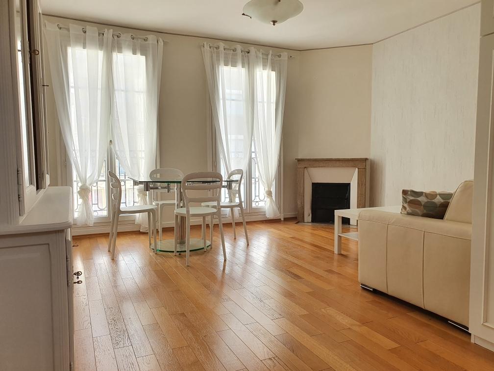 Appartement Paris 75015 2 pièce(s) 48.24 m2