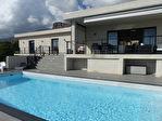Villa Afa  contemporaine 6 pièce(s) 232 m2 F4+F2 avec piscine