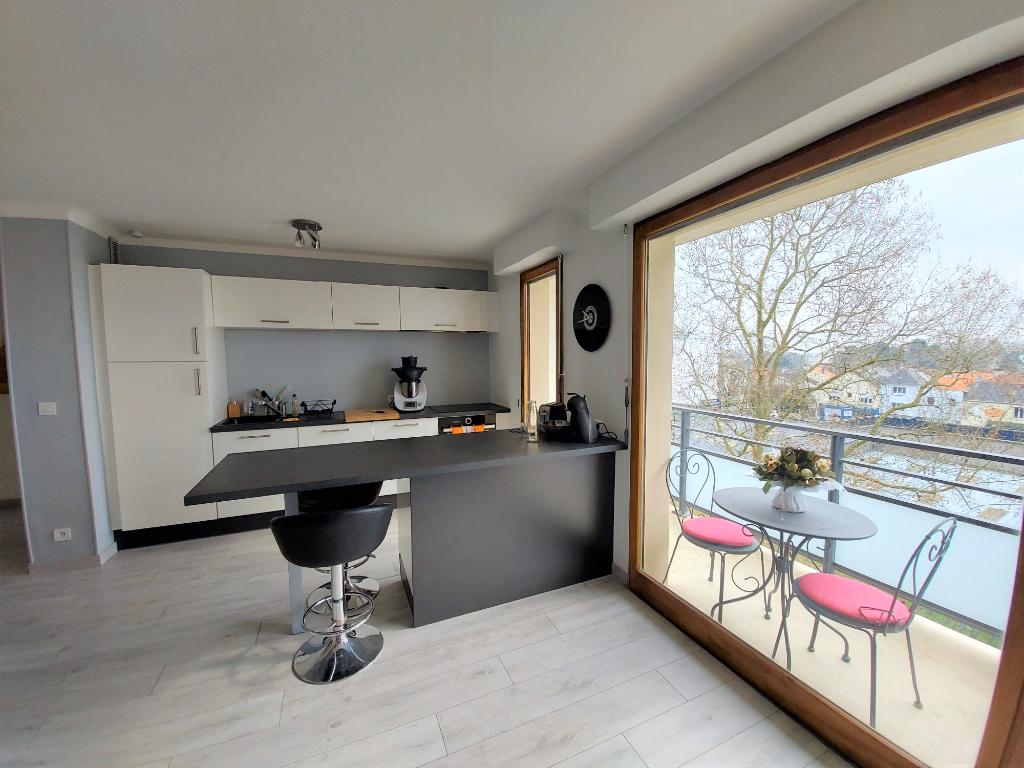 Nantes 2 pièces 45 m² balcon, parking, cave.